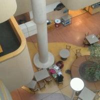 รูปภาพถ่ายที่ Dane Smith Hall โดย Bianca R. เมื่อ 2/24/2012