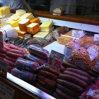 4/21/2012 tarihinde Linda E.ziyaretçi tarafından Lucca Ravioli Company'de çekilen fotoğraf