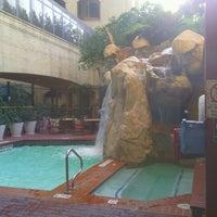 Foto tomada en Hilton Garden Inn Austin Downtown/Convention Center por James S. el 8/4/2012