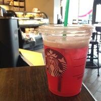 Foto scattata a Starbucks da Stevie G. il 7/18/2012