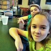 2/23/2012にRandy R.がBrooklyn's Old Neighborhood Style Pizzeriaで撮った写真