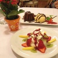 Foto tirada no(a) Zeffiro Restaurante por Andreia B. em 6/7/2012