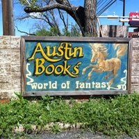 Foto scattata a Austin Books & Comics da Michael il 3/11/2012