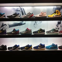 9adf619f222347 ... Photo taken at Foot Locker by DT on 8 16 2012 ...