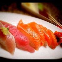Foto tomada en Makino sushi and seafood buffet por Chris H. el 4/17/2012