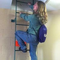 4/2/2012 tarihinde Daniel R.ziyaretçi tarafından Hyland Hall (University of Scranton)'de çekilen fotoğraf