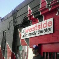Foto diambil di M.i.'s Westside Comedy Theater oleh Anthony L. pada 8/6/2012