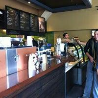 Foto tomada en Starbucks por Belén P. el 2/22/2012