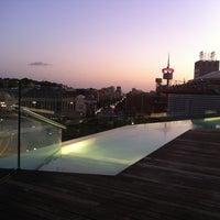 รูปภาพถ่ายที่ Piscina B-Hotel โดย Juan Carlos E. เมื่อ 8/9/2011