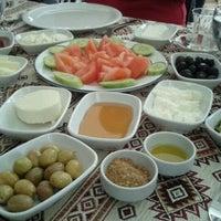 3/4/2012 tarihinde Ece Y.ziyaretçi tarafından Dalakderesi Restaurant'de çekilen fotoğraf