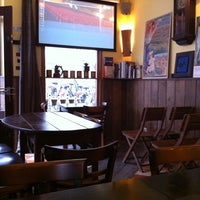 Foto tirada no(a) Taverna Barcelona por Eric K. em 4/18/2012