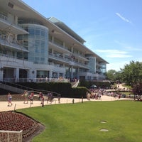 Foto scattata a Arlington International Racecourse da Geoff D. il 6/17/2012