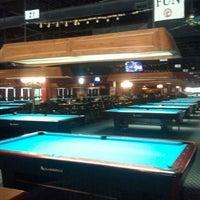 Foto diambil di Two Stooges Sports Bar & Grill oleh Jason B. pada 6/19/2012