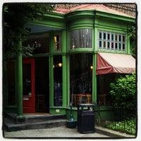 Foto scattata a Green Line Cafe da Christopher C. il 6/15/2012