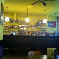 Das Foto wurde bei Baader Café von Sandy R. am 10/26/2011 aufgenommen