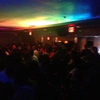 8/10/2012 tarihinde Vannziyaretçi tarafından Shadow Room'de çekilen fotoğraf