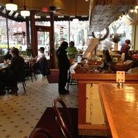 Foto scattata a TAO Natural Foods da Stacy A. il 2/26/2012