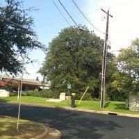 Foto scattata a Treaty Oak da Andrew S. il 7/16/2011