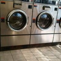 Foto scattata a Sudz Laundromat da Tene W. il 10/24/2011