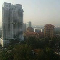 9/2/2011에 Muliadi C.님이 Traders Hotel에서 찍은 사진