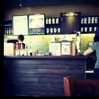 Foto tomada en Starbucks por Carlos Hugo G. el 8/30/2012