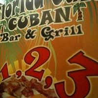 รูปภาพถ่ายที่ Florida Cafe Cuban Bar & Grill โดย Daniel B. เมื่อ 9/3/2011