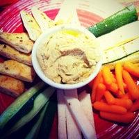 Foto tirada no(a) Red Robin Gourmet Burgers and Brews por Stephanie S. em 6/25/2012