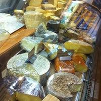 5/19/2012에 john h.님이 Tony Caputo's Market & Deli에서 찍은 사진