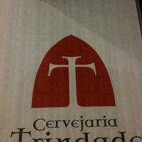 Foto tirada no(a) Cervejaria Trindade por Patricia L. em 2/12/2011