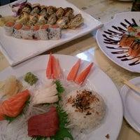 1/13/2012 tarihinde Tom H.ziyaretçi tarafından Kyoto Sushi Bar'de çekilen fotoğraf