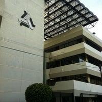รูปภาพถ่ายที่ Universidad La Salle โดย Jorge G. D. เมื่อ 8/2/2011