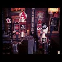 Foto tomada en Brewer's Republic por Alex R. el 2/19/2012
