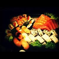 Foto tirada no(a) Sashiburi Sushi House por Max O. em 2/6/2012