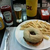 Снимок сделан в Brasil Burger пользователем Carlos Eduardo S. 10/13/2011