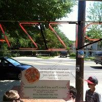 5/28/2012 tarihinde Kenny M.ziyaretçi tarafından Astro's Pizza and Felice's Ristorante'de çekilen fotoğraf