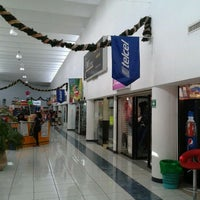Foto scattata a Plaza Dorada da Daniel C. il 1/8/2012