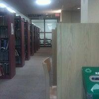 Foto tomada en Weinberg Memorial Library (University of Scranton) por Liz K. el 4/25/2012