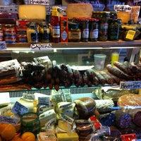 8/26/2012 tarihinde Todd K.ziyaretçi tarafından Monica's Mercato'de çekilen fotoğraf