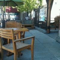 รูปภาพถ่ายที่ Barley House โดย Chris S. เมื่อ 6/10/2012