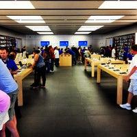 5/20/2012 tarihinde Mike S.ziyaretçi tarafından Apple Town Square'de çekilen fotoğraf