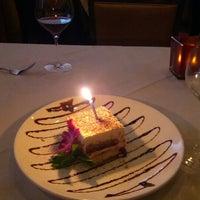 8/28/2012에 LiLi C.님이 Ferraro's Italian Restaurant & Wine Bar에서 찍은 사진