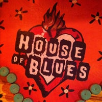 Foto scattata a House of Blues Restaurant & Bar da Shane T. il 4/14/2012