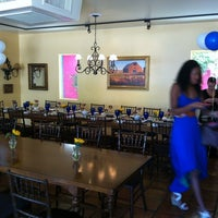 5/12/2012에 Codou M.님이 Arcadia Farms Café에서 찍은 사진