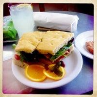 Das Foto wurde bei Caffe Centro von Bradley M. am 5/8/2012 aufgenommen
