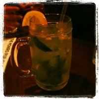Foto diambil di The Monro Pub oleh Kathryn C. pada 7/4/2012