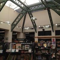 Снимок сделан в Bookshop Santa Cruz пользователем Lee Allan S. 4/4/2012