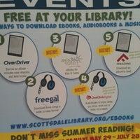 Photo prise au Scottsdale Public Library - Palomino par Maria L. le7/9/2012