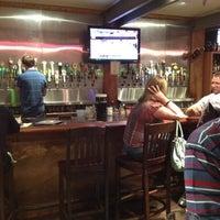 Снимок сделан в Tyler's Restaurant & Taproom пользователем Mike 8/1/2012
