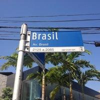 Foto diambil di Avenida Brasil oleh Marcus Q. pada 8/9/2012