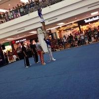 รูปภาพถ่ายที่ 1 Utama Shopping Centre (Old Wing) โดย Hidayah H. เมื่อ 6/24/2012
